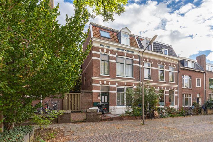 St. Geertruidestraat 22
