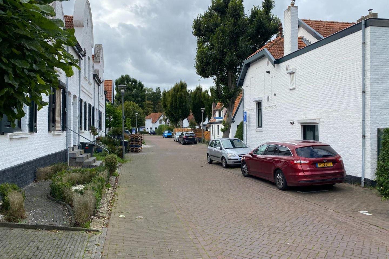 Bekijk foto 3 van Meesstraat 1