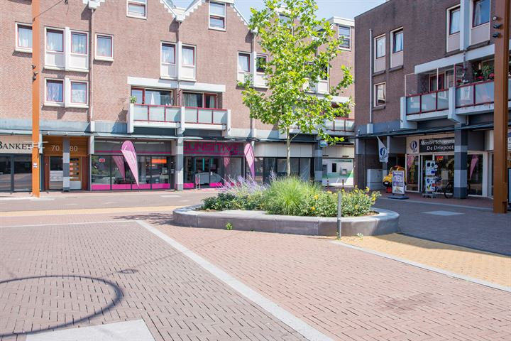Markt 64, Almere