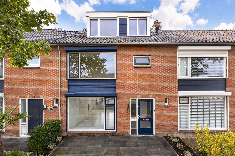 View photo 1 of Bernhardstraat 97