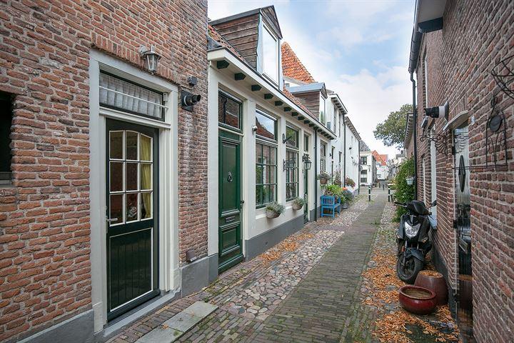 Oosterwalstraat 2