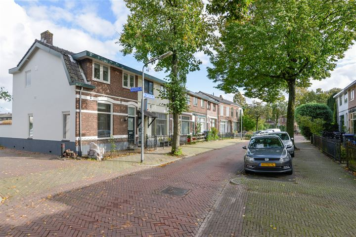 Huygensstraat 55