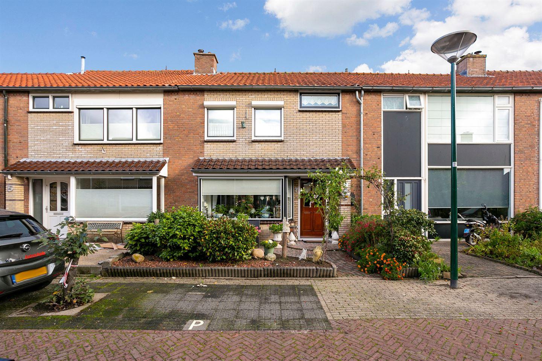 View photo 1 of Floris van Dijckstraat 7
