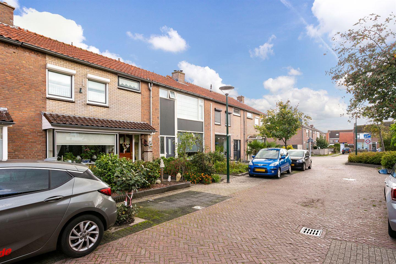 View photo 3 of Floris van Dijckstraat 7