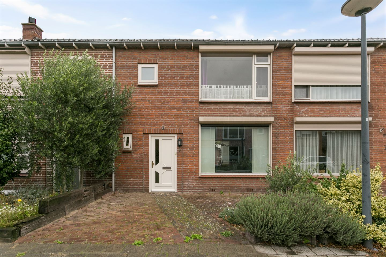 Bekijk foto 1 van Liefrinckstraat 9