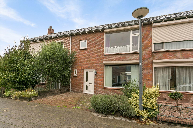Bekijk foto 3 van Liefrinckstraat 9