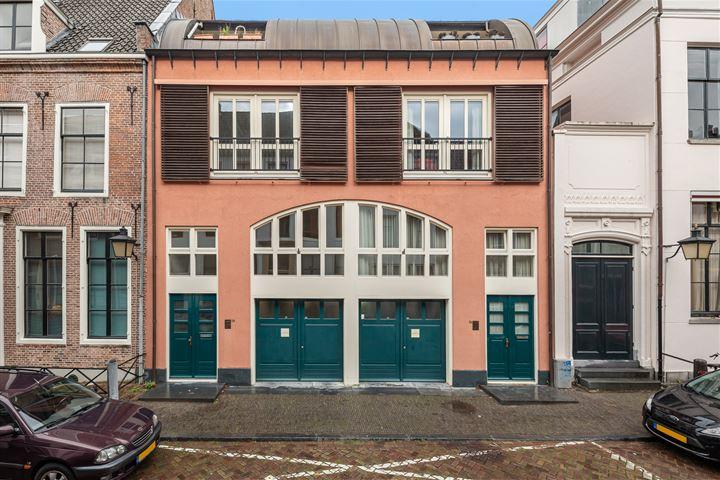 Zuilenstraat 70