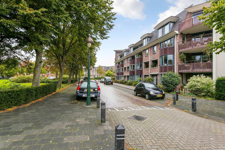 Bekijk foto 1 van Nassauplein 44