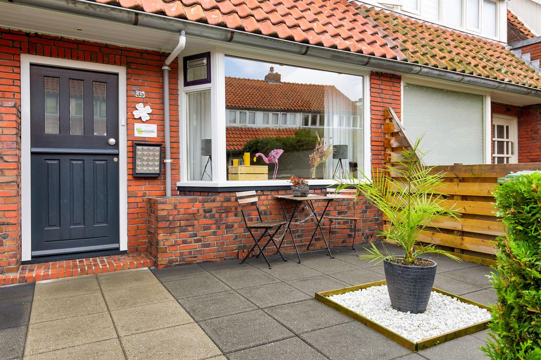 Bekijk foto 2 van van der Helststraat 35