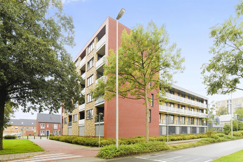 Bekijk foto 2 van Kometenstraat 56