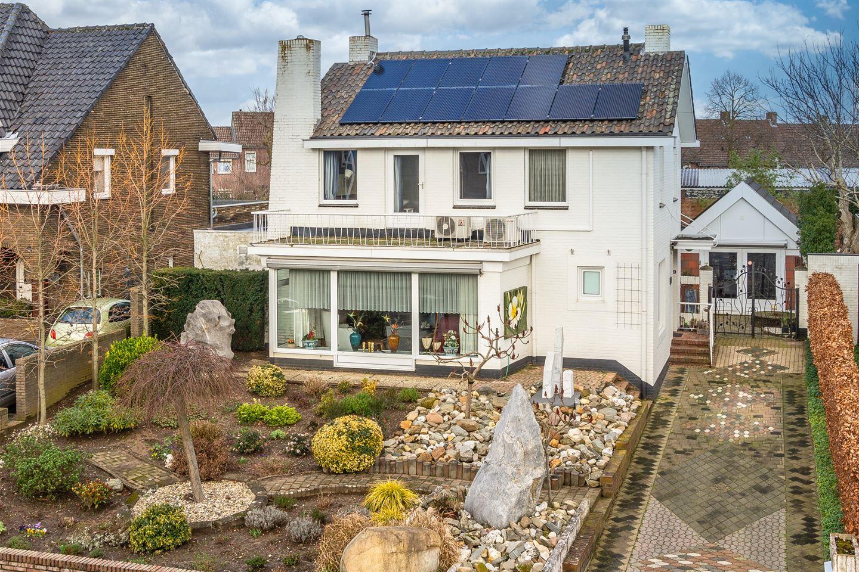 Bekijk foto 2 van Pastoor Stassenstraat 32