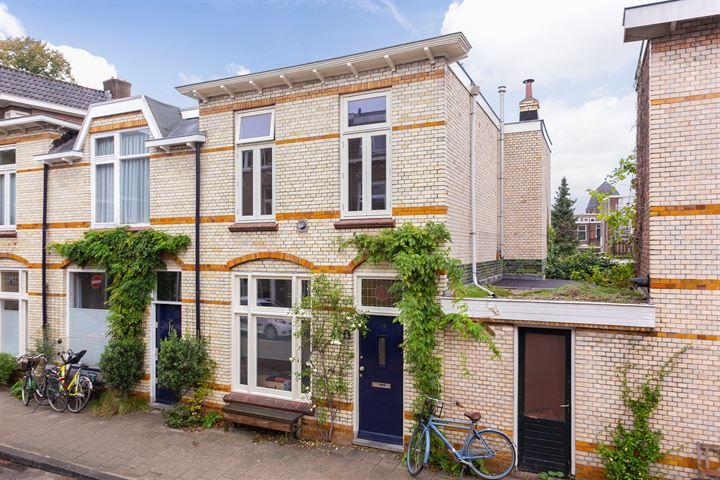 Ferdinand Bolstraat 6