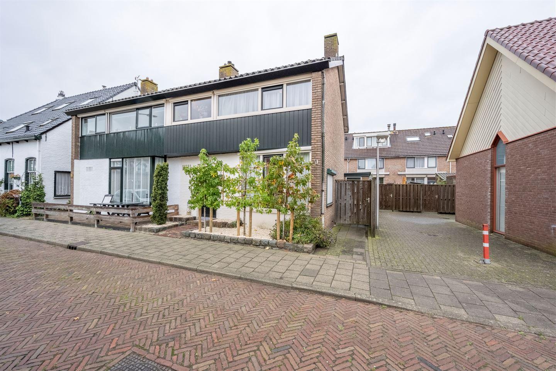 Bekijk foto 1 van In 't Veldstraat 29