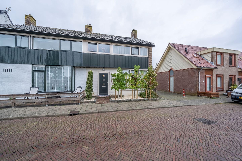 Bekijk foto 2 van In 't Veldstraat 29
