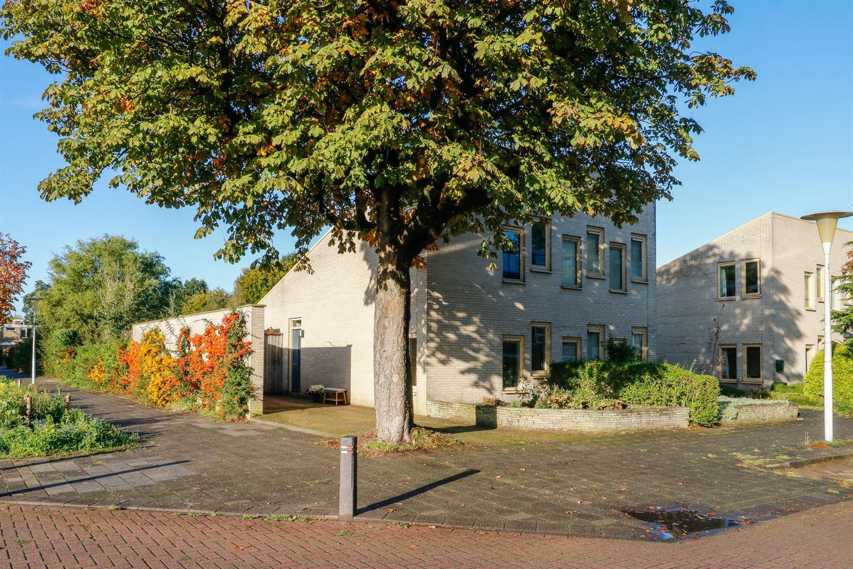 Bekijk foto 2 van Essenstraat 1