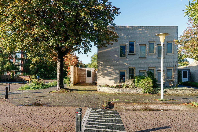Bekijk foto 3 van Essenstraat 1