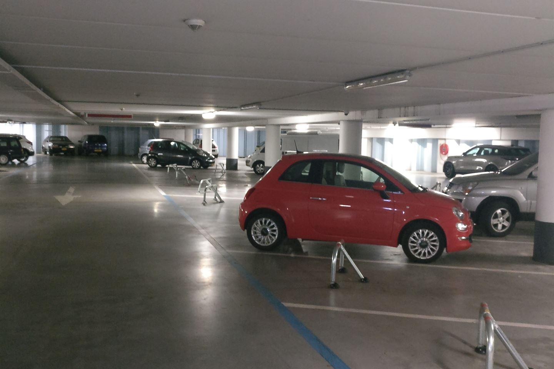 Bekijk foto 5 van Stationsplein (6 parkeerplaatsen)