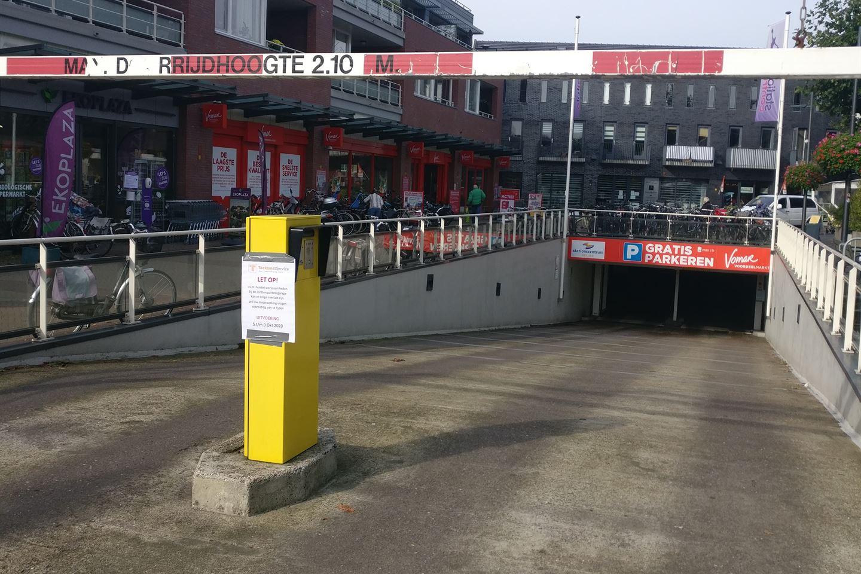 Bekijk foto 1 van Stationsplein (6 parkeerplaatsen)