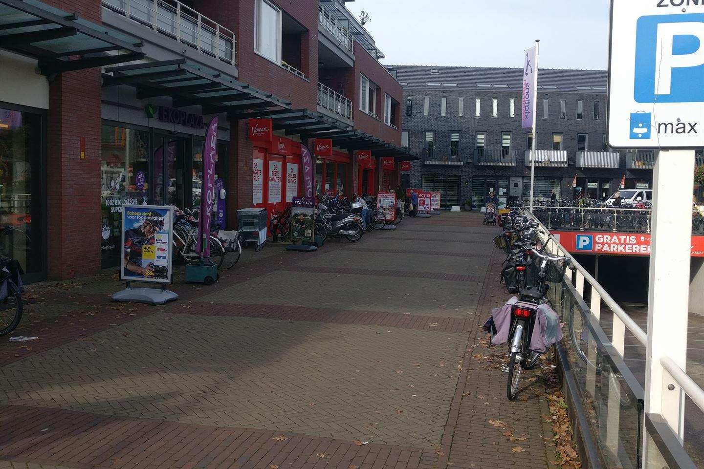 Bekijk foto 2 van Stationsplein (6 parkeerplaatsen)