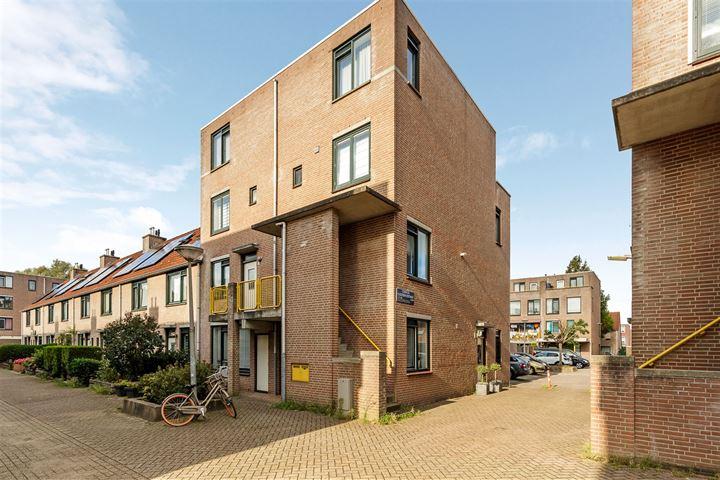 Cornelis Dijksterhuisstraat 4