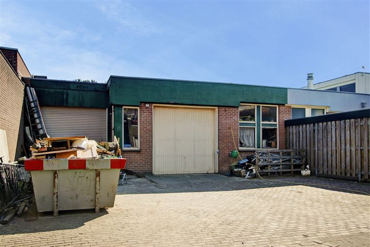 Ambachtenstraat 9 -11, Ouderkerk aan de Amstel