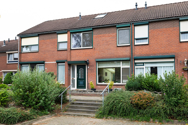 Bekijk foto 1 van Kapelaan Heggestraat 19