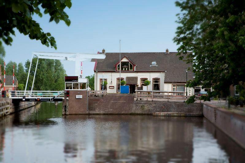 Bekijk foto 2 van Hoofdstraat 30
