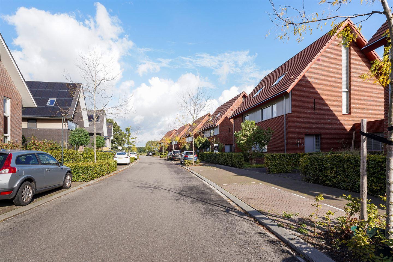 Bekijk foto 2 van Wim van Baaststraat 24