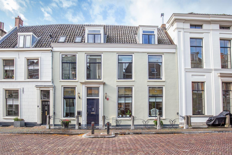 Bekijk foto 1 van Lange Nieuwstraat 13