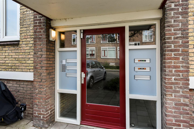 Bekijk foto 3 van Vermeerstraat 20