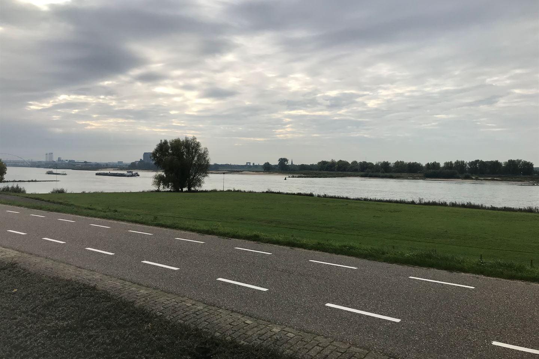 View photo 3 of Waaldijk 43