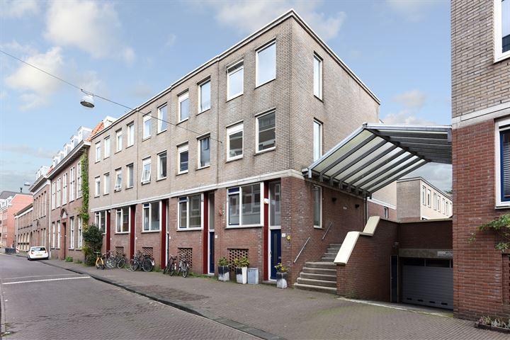 Lange Lombardstraat 52 *