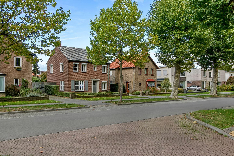 Bekijk foto 3 van Sanderboutlaan 15