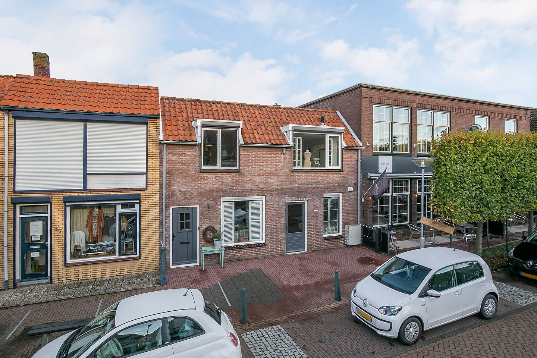 View photo 3 of Voorstraat 39