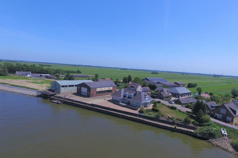 Bekijk foto 1 van IJsseldijk-Noord 51 a