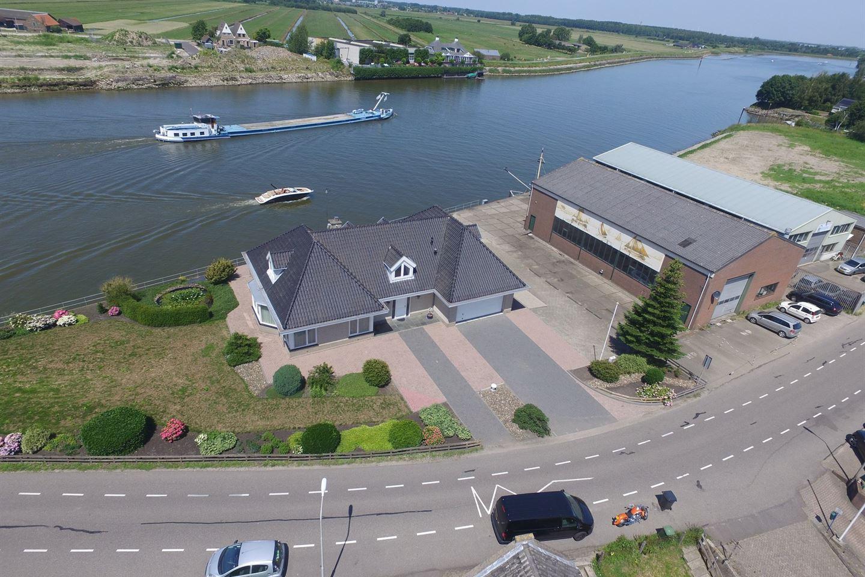 Bekijk foto 2 van IJsseldijk-Noord 51 a