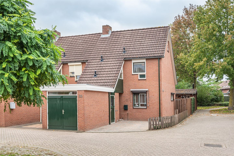 Bekijk foto 1 van Houtduivenhof 35