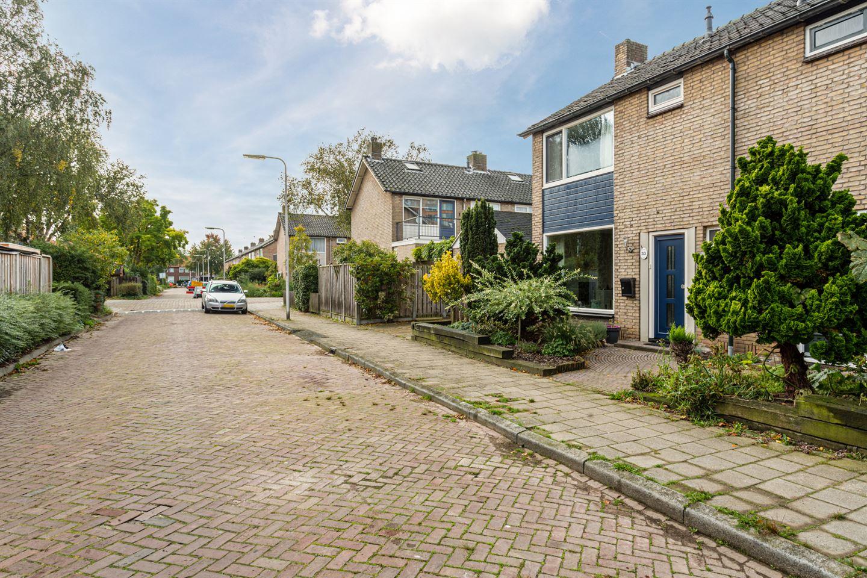 Bekijk foto 2 van van Vredenstraat 33