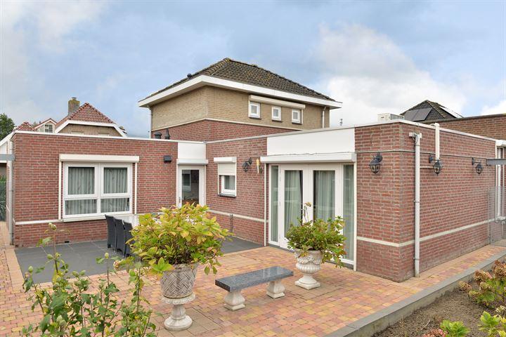 Van Overveststraat 2
