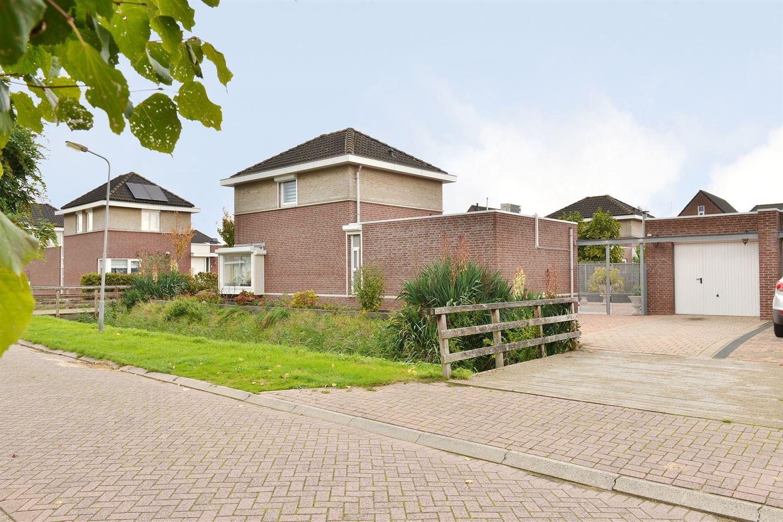 Bekijk foto 2 van Van Overveststraat 2