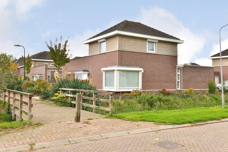 Bekijk foto 4 van Van Overveststraat 2