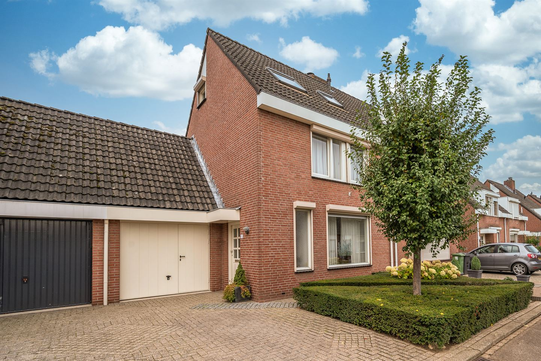 Bekijk foto 1 van Lingsweg 15
