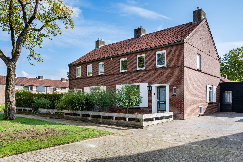 Bekijk foto 2 van Jan Campertstraat 3