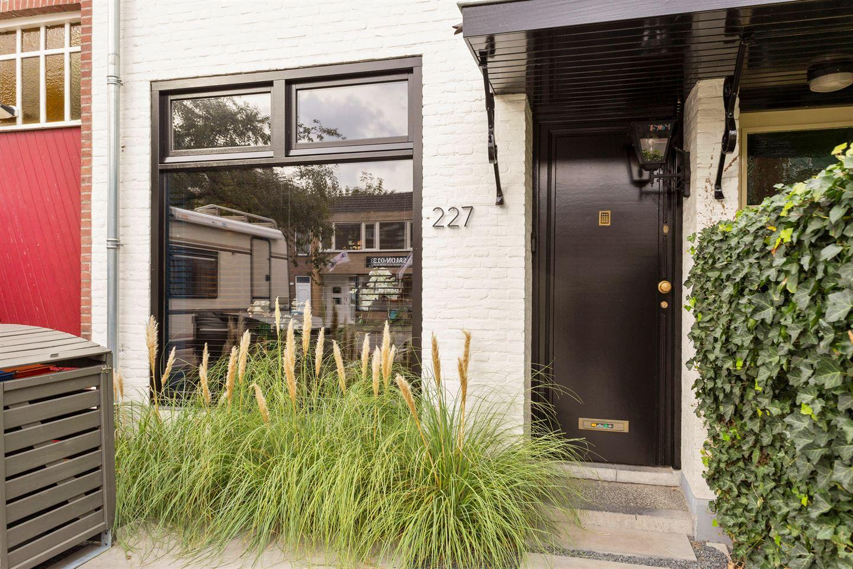 Bekijk foto 1 van Bredaseweg 227