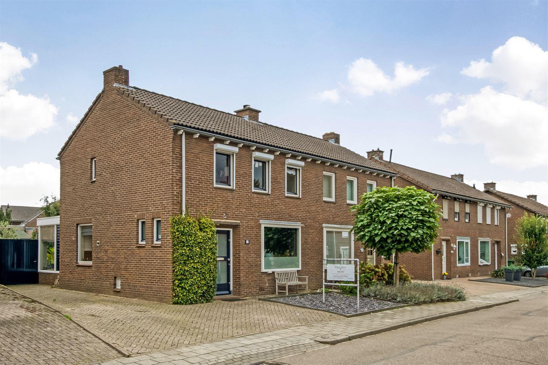 Bekijk foto 1 van Gulickerstraat 12