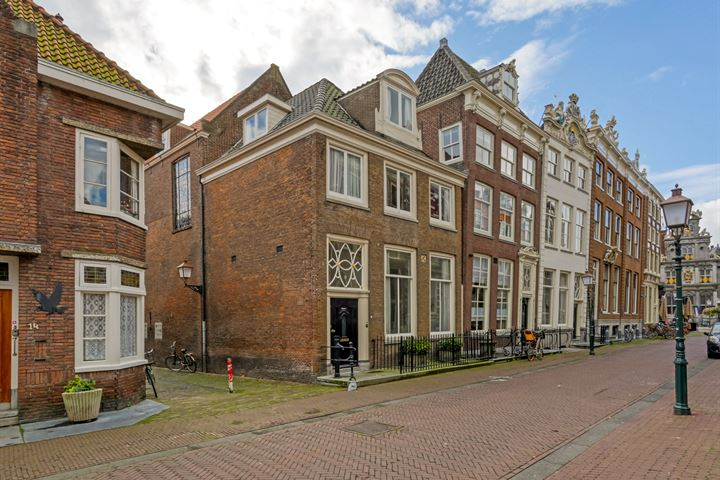 Grote Oost 12