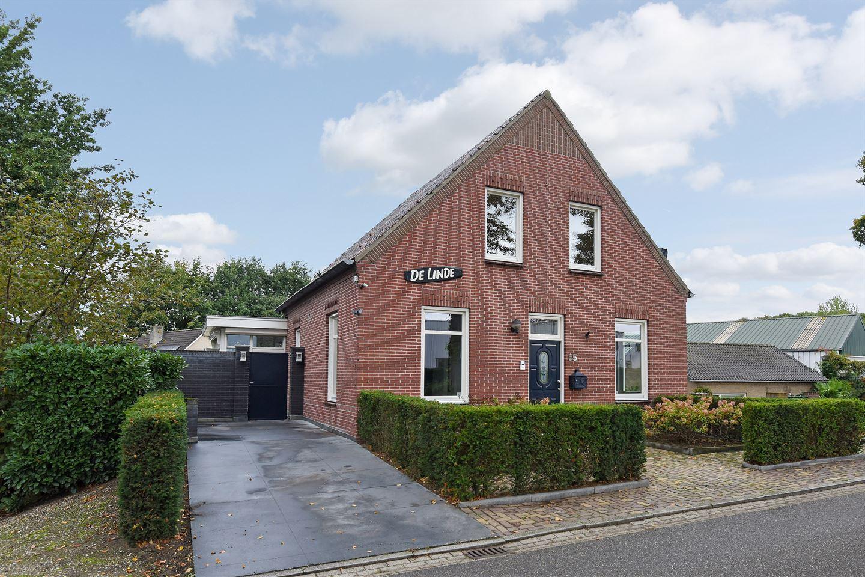 View photo 2 of Lindenlaan 55