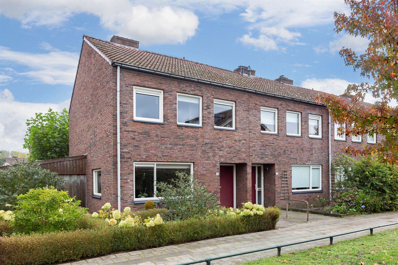 Bekijk foto 1 van P.A. van Deldenstraat 160