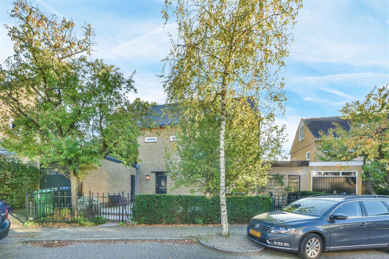Bekijk foto 2 van Graaf Willemlaan 11
