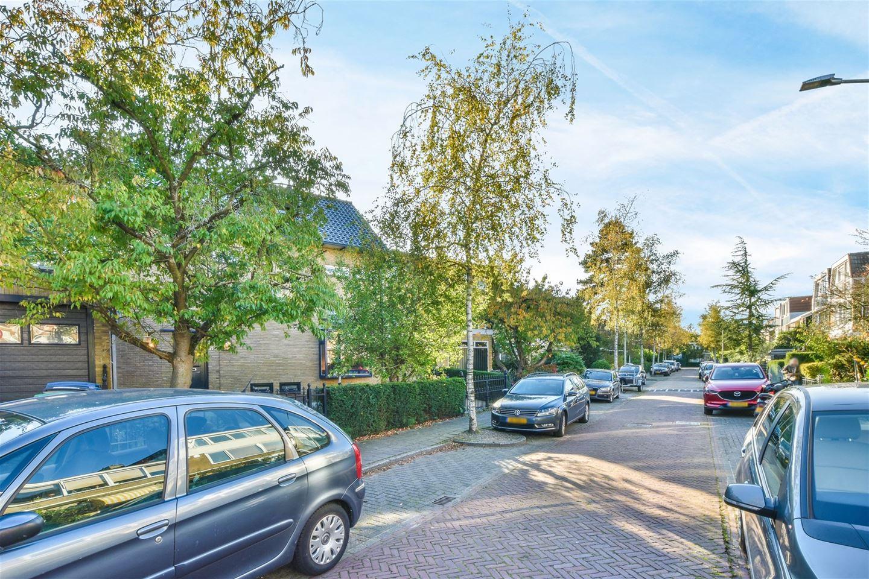 Bekijk foto 3 van Graaf Willemlaan 11